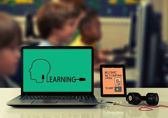 computer met e learning online cursus maken