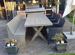 Een houten tuinset kun je zelf ook wel maken