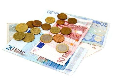Enkele tientjes investeren om online geld te kunnen verdienen